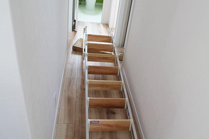 廊下を占領するロフト階段